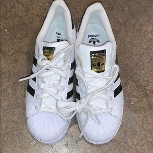 Adidas shell toes barely worn size 5
